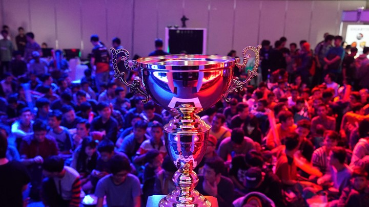 the-chupper-indonesian-all-star-league-of-legends-trophy-lgs